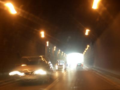 Am Wochenende: Im Tunnel brennt zwar Licht, aber trotzdem ist er dicht!