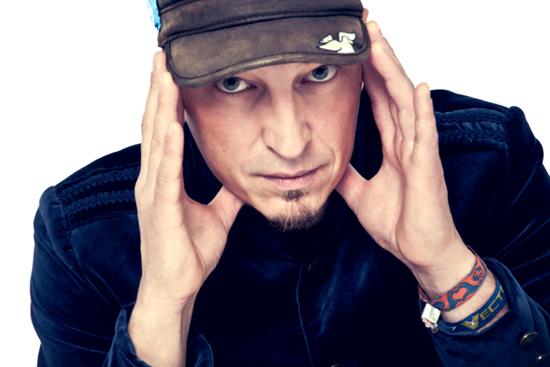 Robert Carl Blank gibt Gastspiel in Carls Showpalast Eckernförde