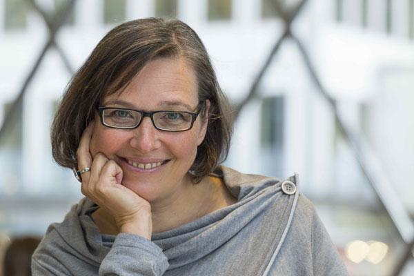 """""""Schindlers Liste"""" – Soirée mit der Autorin und Journalistin Angela Krumpen"""