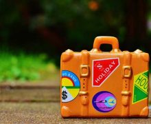 Mit leichten Koffern unterwegs